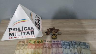 Homem é preso e adolescente é apreendido em operação contra tráfico de drogas em Araxá