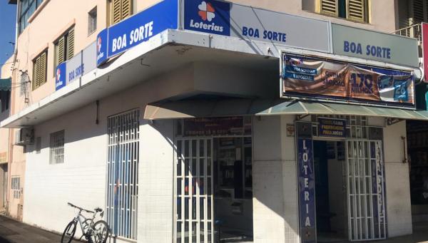 Funcionários das casas lotéricas de Araxá reivindicam prioridade na vacinação contra Covid-19